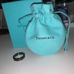 Tiffany Narrow Ring in Titanium, size 6